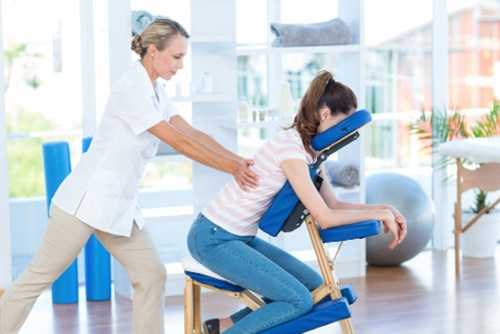 massage assis sur chaise